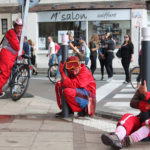 La Horde Rouge Sebastian Lazennec Groupe Deja intervention theatrale sur mesure deambulation de rue