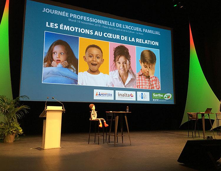 Theatre-invisible-sur-mesure-Groupe-Deja-Accueil-familial